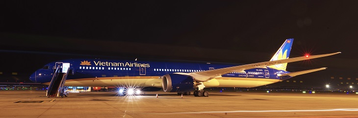 Vietnam Airlines flies its first Boeing 787-10 Dreamliner